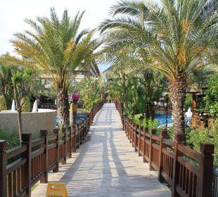Brücke über den Pool Hotel Royal Dragon