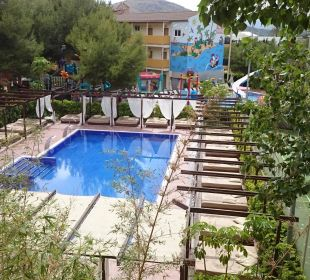 Chill-Out-Pool von oben Hotel Viva Tropic