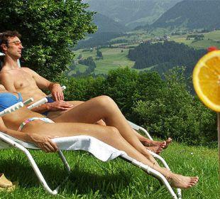 Ausruhen im Garten Berghof am Paradies