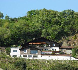 Hausansicht Appartement Linter in Dorf Tirol  Appartement & Weingut Linter