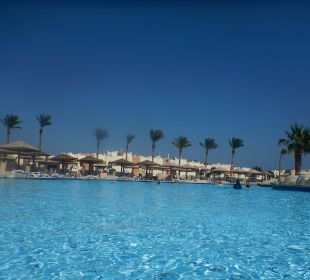 Sehr schön angelegte Poollandschaft SUNRISE Select Royal Makadi Resort