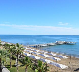 Blick von den Rutschen zum Strand Bellis Deluxe Hotel