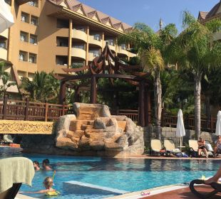 Poolbereich Hotel Royal Dragon