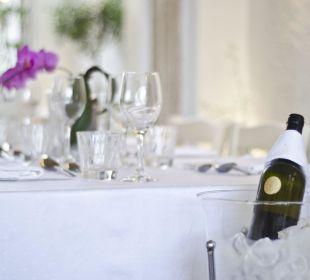 Griechischer Wein schmeckt lecker!  Evdion Hotel