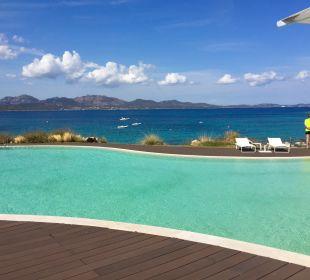 Pool CalaCuncheddi Resort & Marina