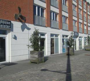 Hafenseite im-jaich boardinghouse bremerhaven