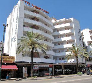 The building Hotel Xaine Park