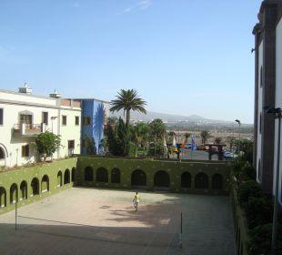"Tennisplatz im ""Kreuzgang"" Lopesan Villa del Conde Resort & Spa"