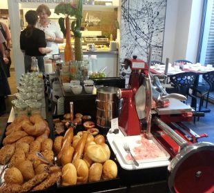 Frühstücksbüffet art & business hotel