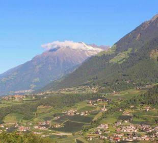Nach Dorf Tirol vom Zimmer 302 Hotel Grafenstein