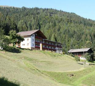 Hausansicht Pension Alpenhof Strenge