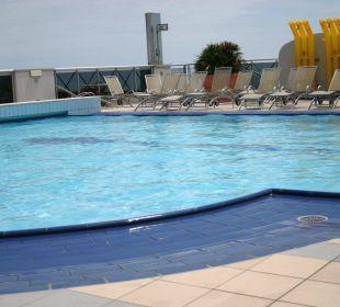 Pool, wenn zum Essen geblasen wurde Hotel Eraclea Palace