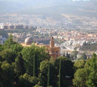 Von der Alhambra Ausblick auf das Hotel Hotel Alhambra Palace