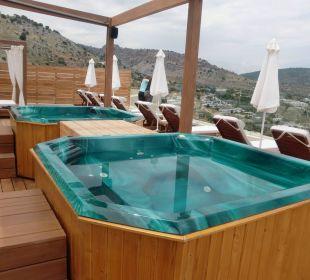 Jacuzzi auf dem Dach Hotel Lindos Blu