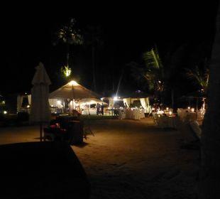 Buffet am Strand mit Livemusik Belmond Napasai