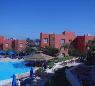 Terrassenanlage samt Poolbar