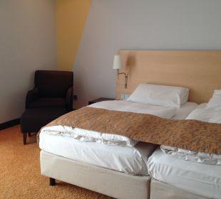 Doppelbett mit Sessel Hotel Dorint an der Messe Köln