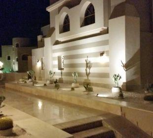 Weg zum Turm Hotel Iberotel Makadi Beach