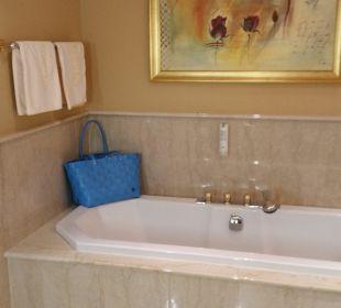 Die grosse Badewanne Suite Deluxe Hotel Schwarzenstein