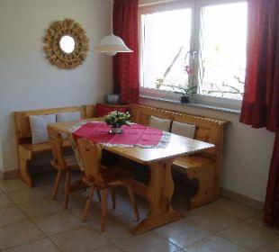 Landhauswohnung Essecke in Naturholz Appartement & Weingut Linter