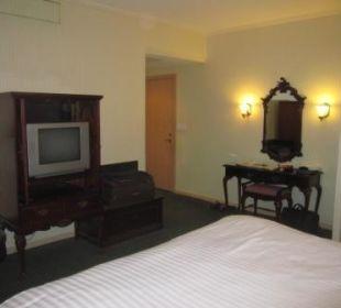 Schlafzimmer im 1.Stock, Blick zum Eingang Ramada Hotel & Suites Al Khobar