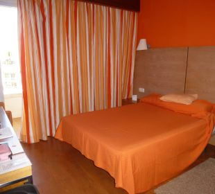 Orange dominiert! Hotel JS Alcudi Mar