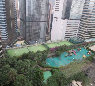"""""""Garden view"""" vom Fahrstuhl aus Renaissance Harbour View Hotel Hong Kong"""