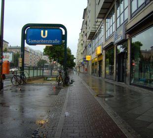 U-Bahn vorm Hotel Best Western Hotel City Ost