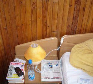 Bett - Nachttisch Hotel Zamek Karnity