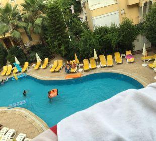 Pool Aussicht von Zimmer Hotel Artemis Princess