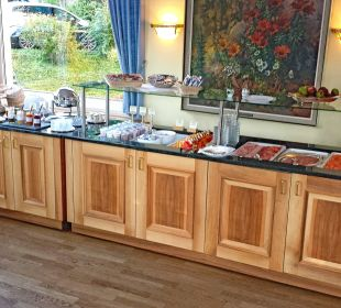 Frühstücksbuffet linke Seite Belvédère Strandhotel