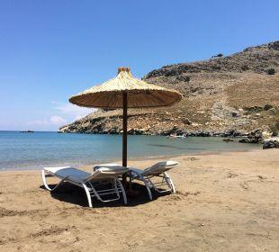 Am Strand vom Lindos Blu Hotel Lindos Blu