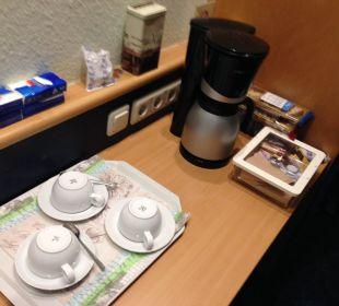 Doppelzimmer, mit Kaffeekanne Hotel Hanseport Hamburg