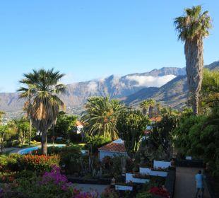 Teilausblick von der Terrasse auf die Anlage Hotel La Palma Jardin