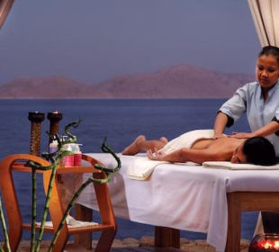 Beach Tent Cabana - Massage Hotel Grand Rotana Resort & Spa