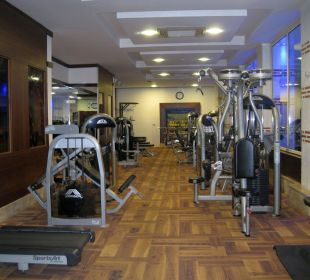 Gut ausgestatteter Fitnessraum Hotel Oleander