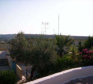 Hotel mit Terrasse oben Hotel Karavos