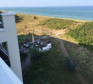 Blick auf die Restaurantterrasse Strandhotel Dünenmeer