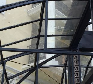 Dach vom Restaurant Victoria Palace Hotel & Spa