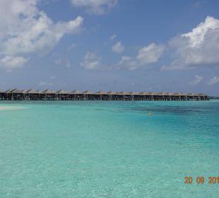Blick auf die Water-Villen Hotel Constance Moofushi Resort