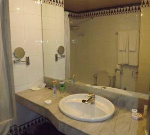 Ein Badezimmer, das alles hat Hotel Hacienda San Jorge