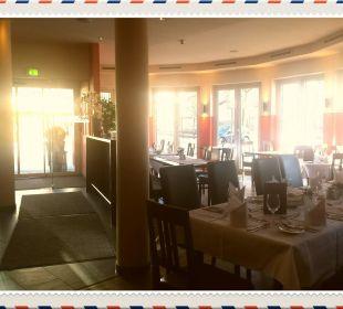Restaurant bei der Bar, auch Hunde zugelassen Das Hotel Eden