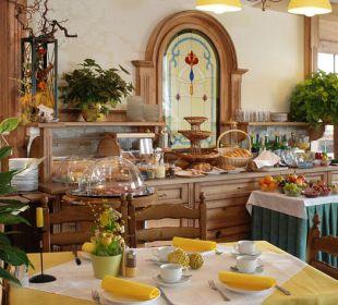 Frühstücksbuffet im Speisesaal pikant und süß Gasthaus Kramerwirt