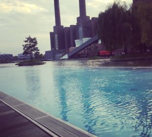 Pool Hotel The Ritz-Carlton Wolfsburg