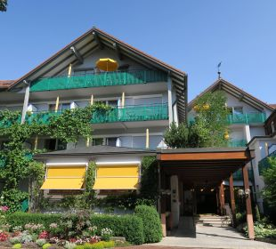Eingang Kneipp- und WellVitalhotel Edelweiss