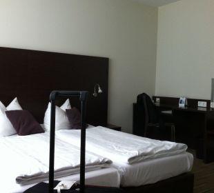 Bett + Schreibtisch Best Western Hotel am Spittelmarkt