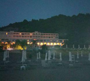 Vom Strand aus fotografiert... lti Grand Hotel Glyfada