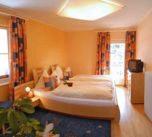 Schlafzimmer im modernen Stil Apartment Hotel Bio-Holzhaus Heimat