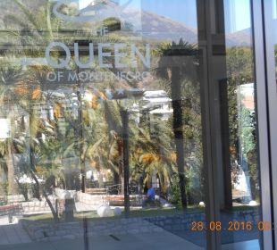 Eingang Hotel Queen of Montenegro