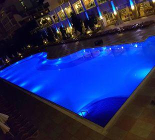 Nacht Hotel Titan Select
